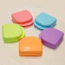Műanyag dobozok, kerek, kicsi, 1 db, lila színben